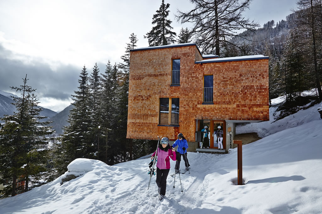 chalet nieve gradonna mountain resort hotel en los alpes