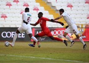 Süper Lig: DG Sivasspor: 1 – A.Hatayspor: 1 (Maç sonucu)