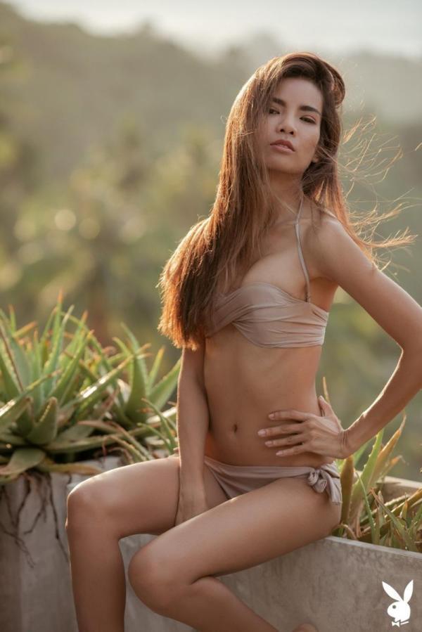 Эротическая фотосессия Maya Myra в Playboy (12 фото)