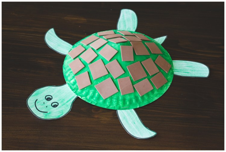 Paper Plate Craft | Turtle Craft | Paper Plate Turtle Craft | Kids Craft | Printable Kids Craft | Free Printable | Directions and free printable template for this fun Paper Plate Turtle Craft available on the Six Clever Sisters blog!