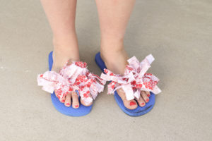 DIY Flip Flops | Flip Flop Makeover | Flip Flop | Pretty Flip Flops | DIY Flip Flop Fabric | DIY Flip Flop for Kids | Find out how to make these cute Fourth of July flip flops for kids at SixCleverSisters.com !