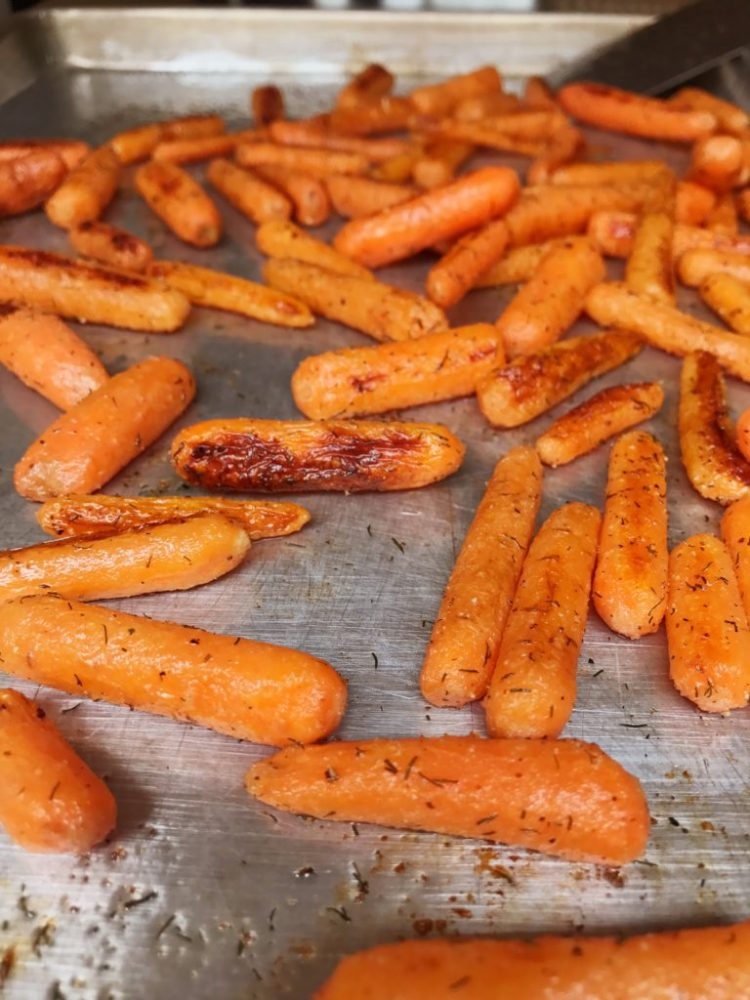 The Best Garlic and Dill Roasted Carrots | Carrot Recipe | Carrots | Roasted Carrots | Side Dish | Veggie Side Dish | Vegetable | Fresh Veggie | Easy Dinner | Simple Dinner | Simple Side Dish | Oven Side Dish | Recipe | Dinner Recipe | Easy Vegetable | Kid Friendly Veggies | Healthy Dinner | Healthy Meal | Super delicious and Simple Veggie Side at Six Clever Sisters!