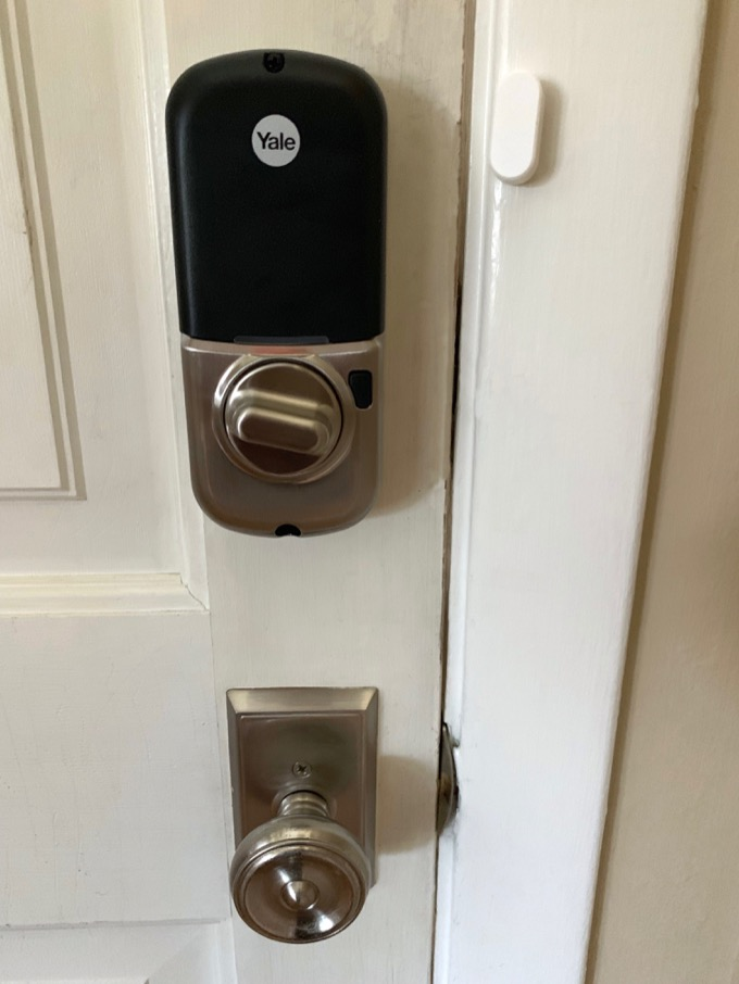 yale-lock-vertical