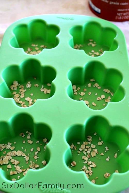 oatmeal-lavender-bath-bombs-process-3