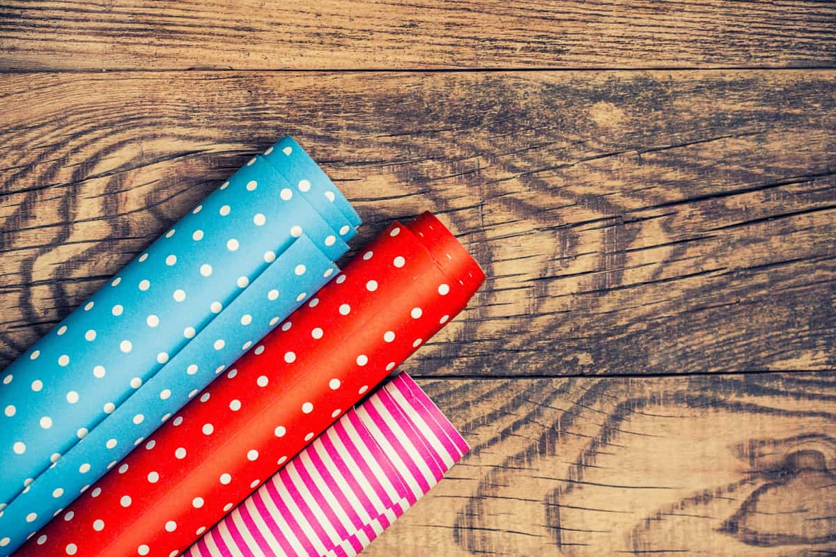 39 Uses for Leftover Gift Wrapping Paper That Will Blow Your Mind!