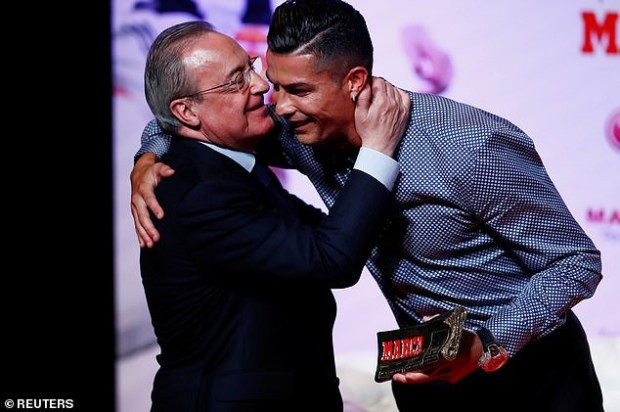 Cristiano Ronaldo receives Marca Legend award in Spain for his successful career with Real Madrid (Photos)