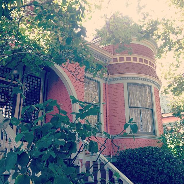 Carl E. Lindsay House