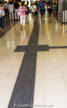Aid for the Visually Impaired at Chamartin Station