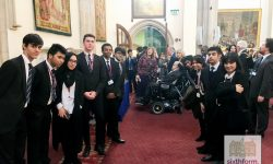 Newham Collegiate Sixth Form Centre (The NCS) Students Meet Stephen Hawking At Guildhall