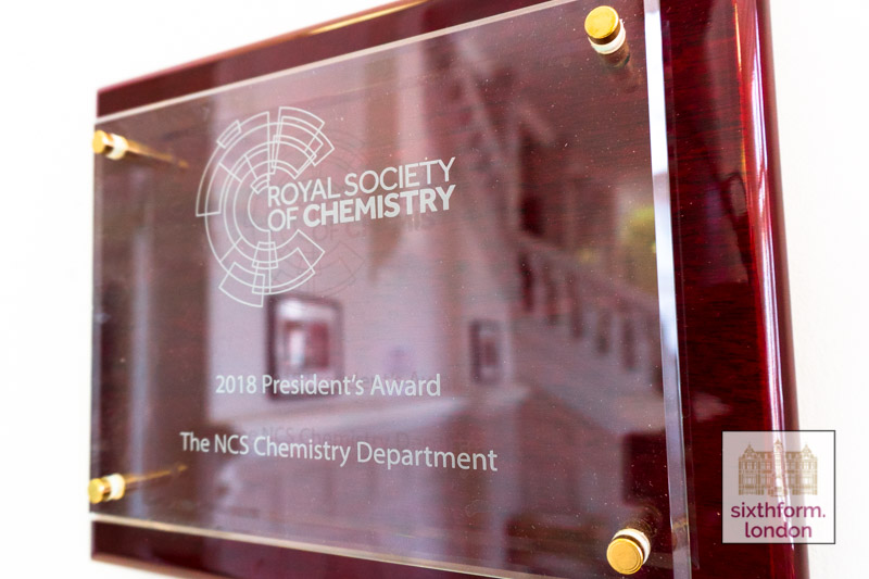 Royal Society Of Chemistry's Presidents Prize Awarded To Newham Collegiate Sixth Form Centre