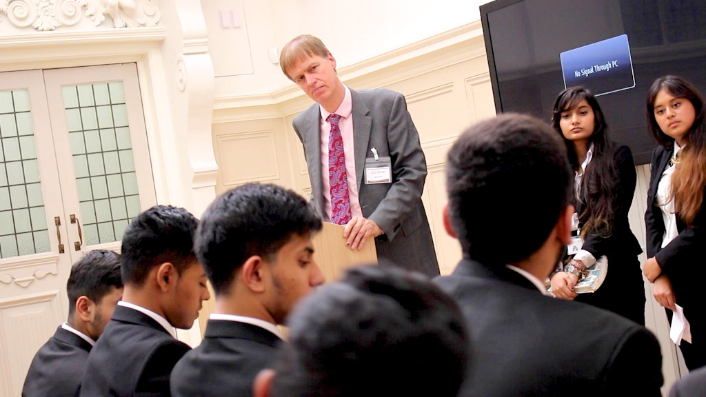Stephen Timms MP Delivers A Stirring Lecture To Students At Newham Collegiate Sixth Form Centre (The NCS) - In Video