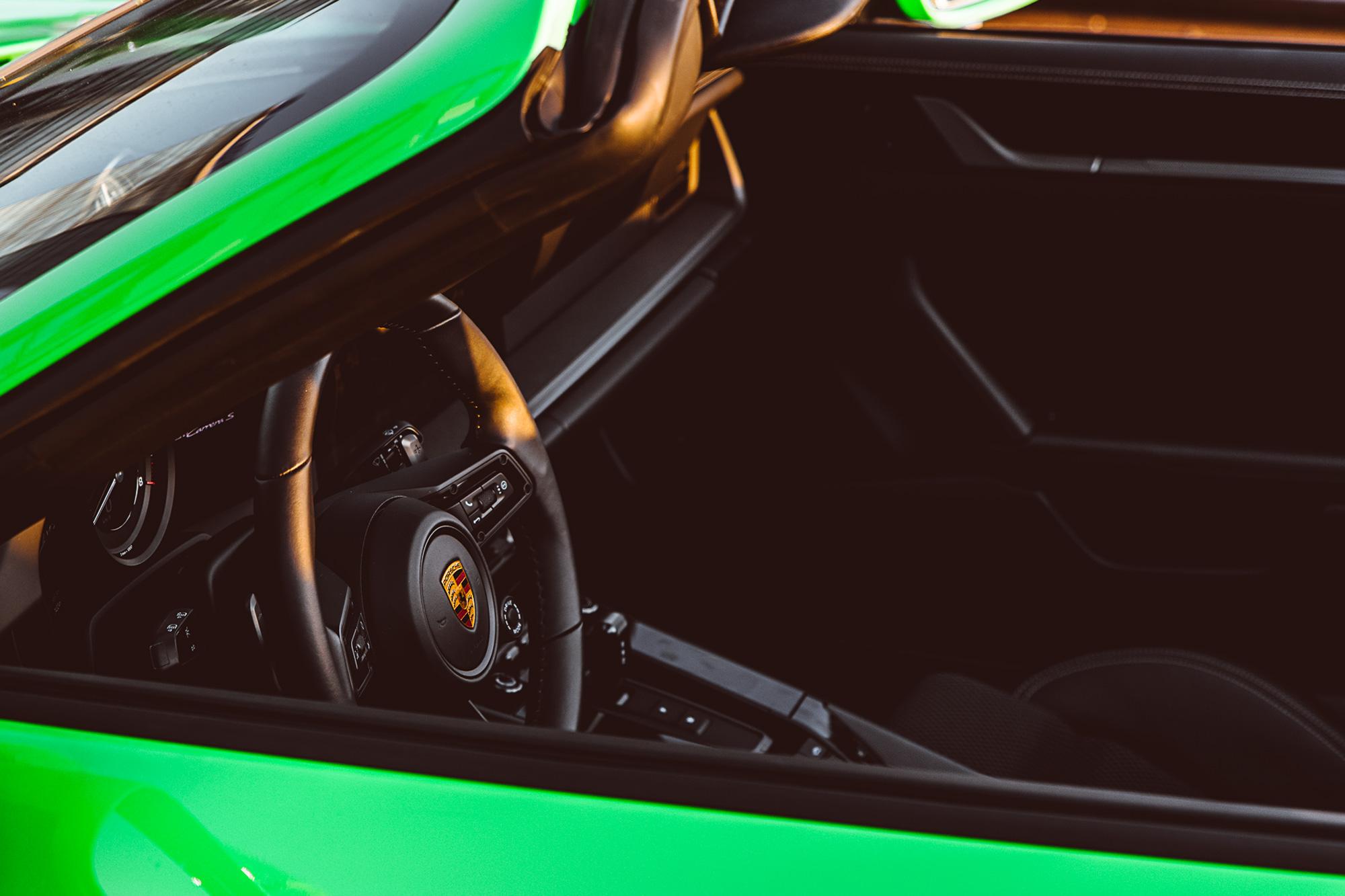 sixtysix mag bose automotive porsche 911 interior