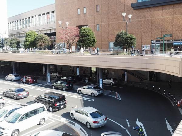 仙台駅西口の一般車両乗降場の風景