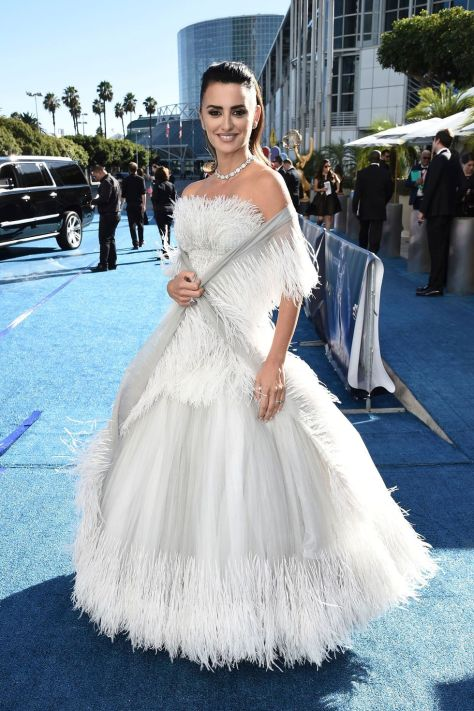 hbz emmys 2018 penelope cruz shutterstock 1537230839 - Emmy's Awards 2018 - The Best Dressed Celebrities
