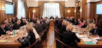 В Госдуме состоялась дискуссия о путях преодоления кризиса в медиаотрасли страны