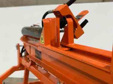 rock-machinery-venom-25ton-tractor-log-splitter (16)