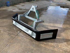 A multi-purpose yard scraper that is designed for use on a tractor. Ideal for scraping slurry, muck and dung off hard concrete yards.