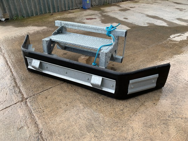 Skid-steer-slurry-scraper-heavy-duty-with-bobcat-brackets