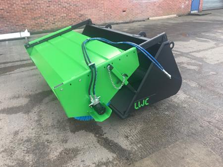 lwc-bucket-brush-sweeper-yard-telehandler-loader-skidsteer
