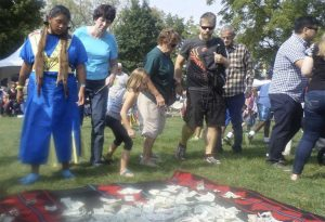 Attendees donate money to support the efforts of the Standing Rock Sioux in North Dakota. (June Leffler/ Medill)