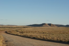 Road between Broken Hill and Pack Saddle