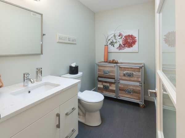 Фото покрасить стены в ванной комнате фото – Покраска стен ...