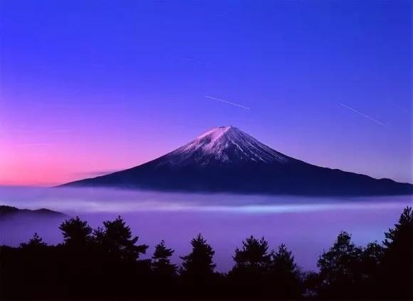 山の日の由来となぜ国民の祝日になったのか?