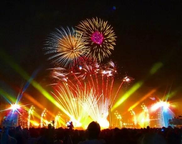 横浜開港祭花火の穴場スポット2017や場所取りのベストは?