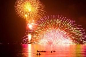 鎌倉花火大会2016穴場スポットと場所取りや駐車場は?