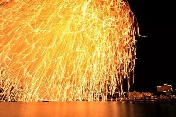 白浜花火大会の穴場スポット2016と開催日程や駐車場は?