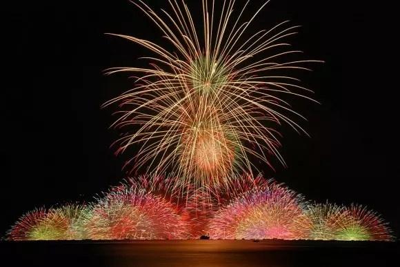 諏訪湖祭湖上花火大会2018穴場スポットと駐車場や桟敷席は?