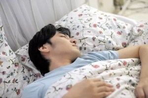 寝汗がひどい時は病気のサイン?その原因や対策法!