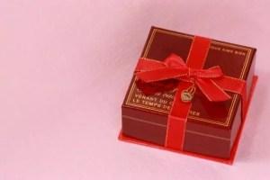 バレンタイン本命の彼に贈るチョコの値段と渡し方!