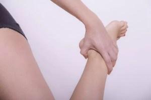 足のしびれの原因と治し方!症状がひどい時は病気の可能性はあるの?
