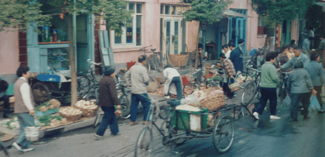 写真ー2 上海 早朝の自由市場