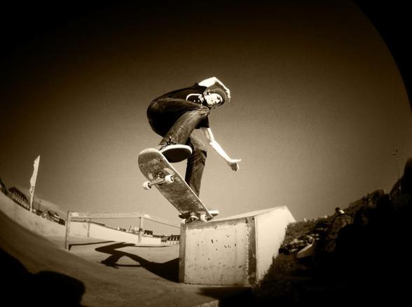 Read more about the article Old Footages to 2020 – Alexis Trancart – Decathlon Skateboarding video