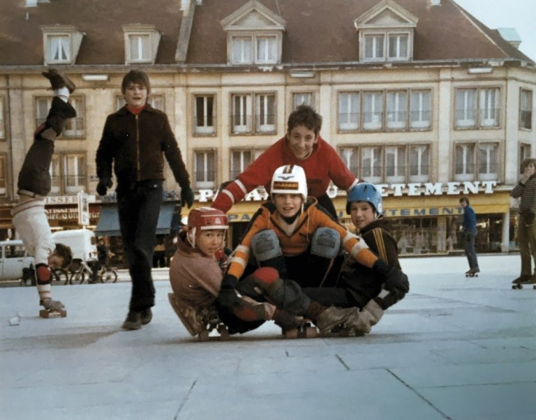 Read more about the article Skateboard Place Jeanne Hachette Beauvais été 1978