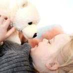 120 trøstende bamser til Regionshospitalet Hjørrings yngste patienter