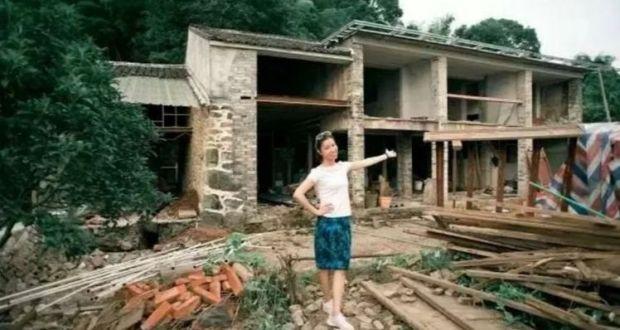 Момиче превърна призрачна къща необитавана от 30 години в лъскаво имение СНИМКИ