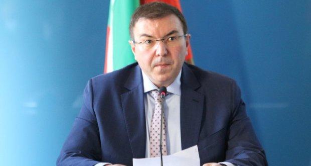 Министър Ангелов за ваксините: И в кренвиршите не знаете какво има но ги ядете