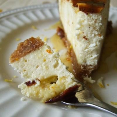Varškės pyragas su citrusiniu sirupu (cheesecake)