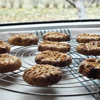Sausainiai su žemės riešutais ir šokoladu