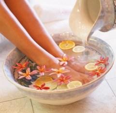 Ванночки-для-ног-в-домашних-условиях-1