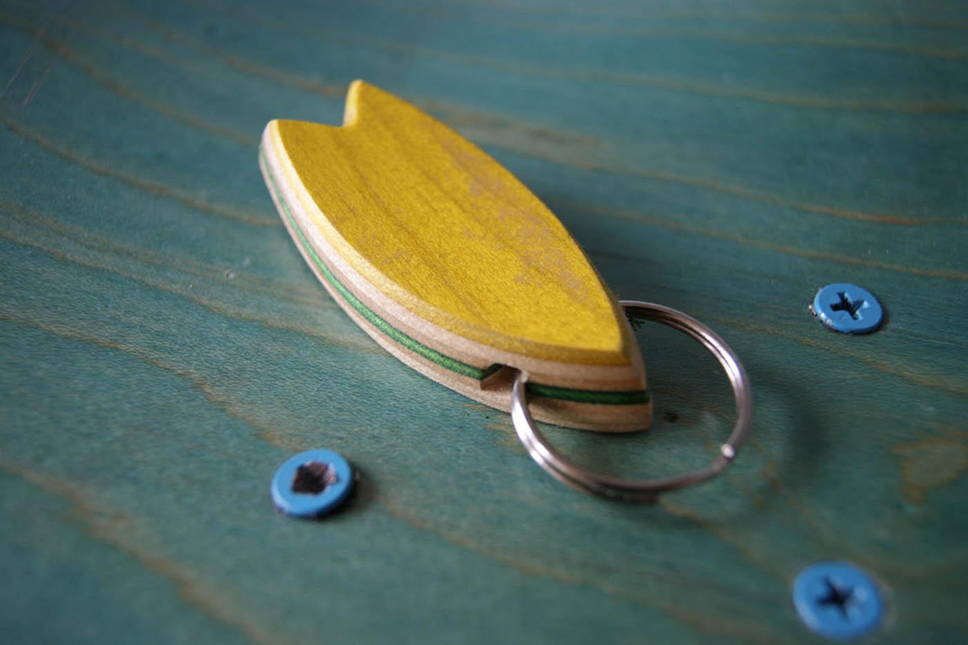 5-Skatan-LLC-Surfboard-Key-Chain-Skateboarding-Upcycling (31)