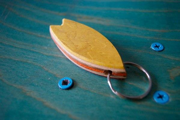 5-Skatan-LLC-Surfboard-Key-Chain-Skateboarding-Upcycling (57)