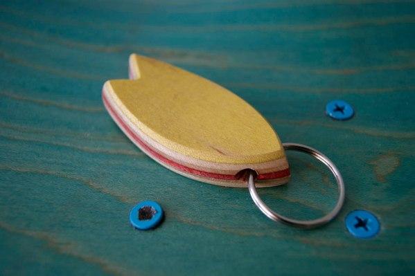 5-Skatan-LLC-Surfboard-Key-Chain-Skateboarding-Upcycling (81)