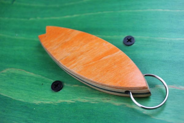 key-chain-big-surfboard-used-skateboard-wood-upcycling-unique-skatan-llc-shop-9