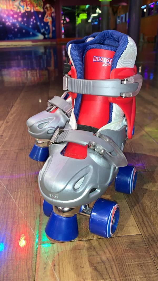 Blauwe kinder rolschaatsen 4