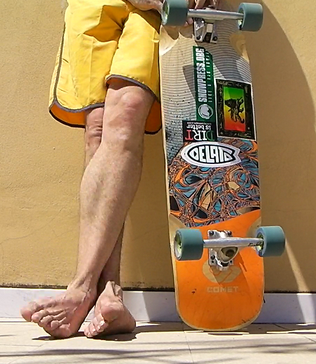 SKATEBOARD - DELATO - THE NEW SIDE OF SURFING (1)