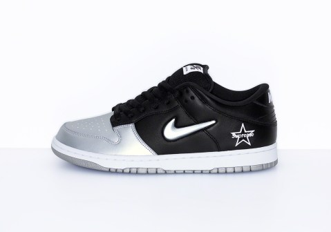 nike sb dunk low supreme shoes